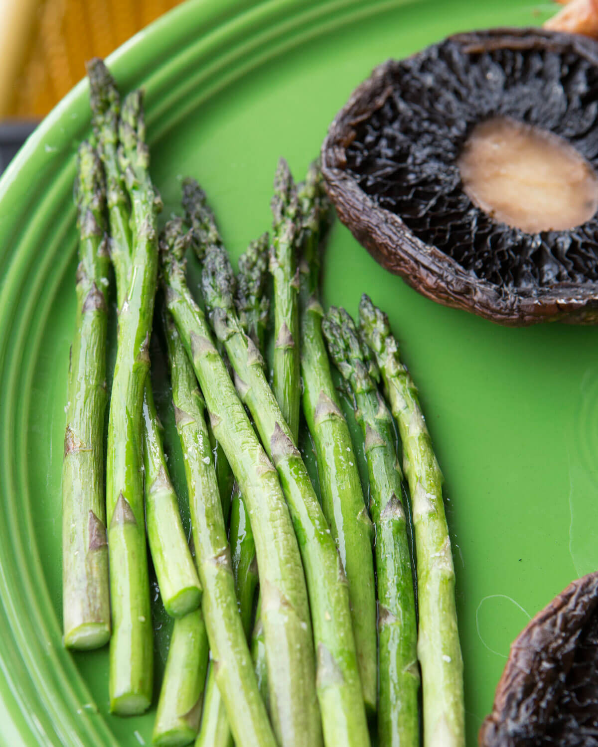 Easy Grilled Asparagus and Portabella Mushrooms